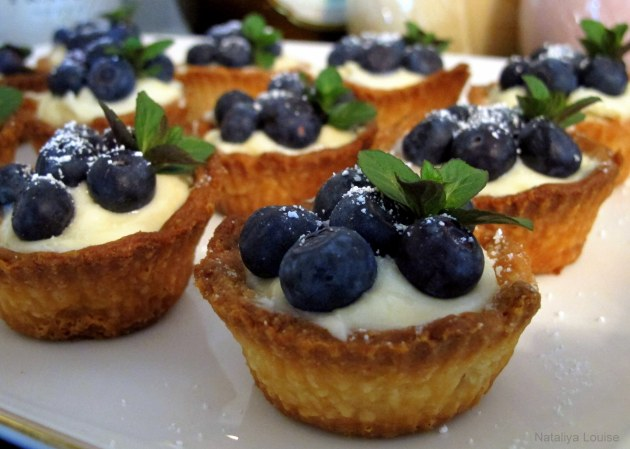 Passion fruit & blueberry tartlets - delicious!