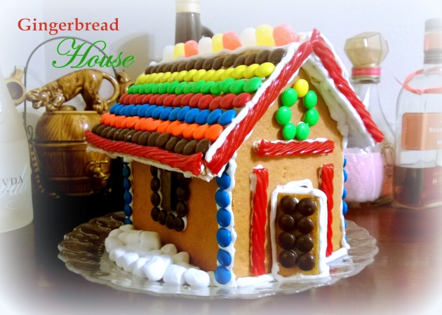 Gingerbread House Title Image 2
