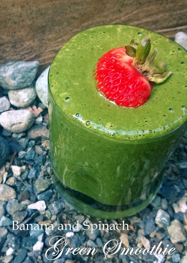 Banana and Spinach Green Smoothie - FODMAP, Fructose Friendly, Gluten Free, Dairy Free and Vegan